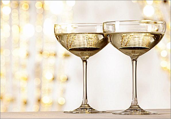 champagneglasses_595x415.jpg
