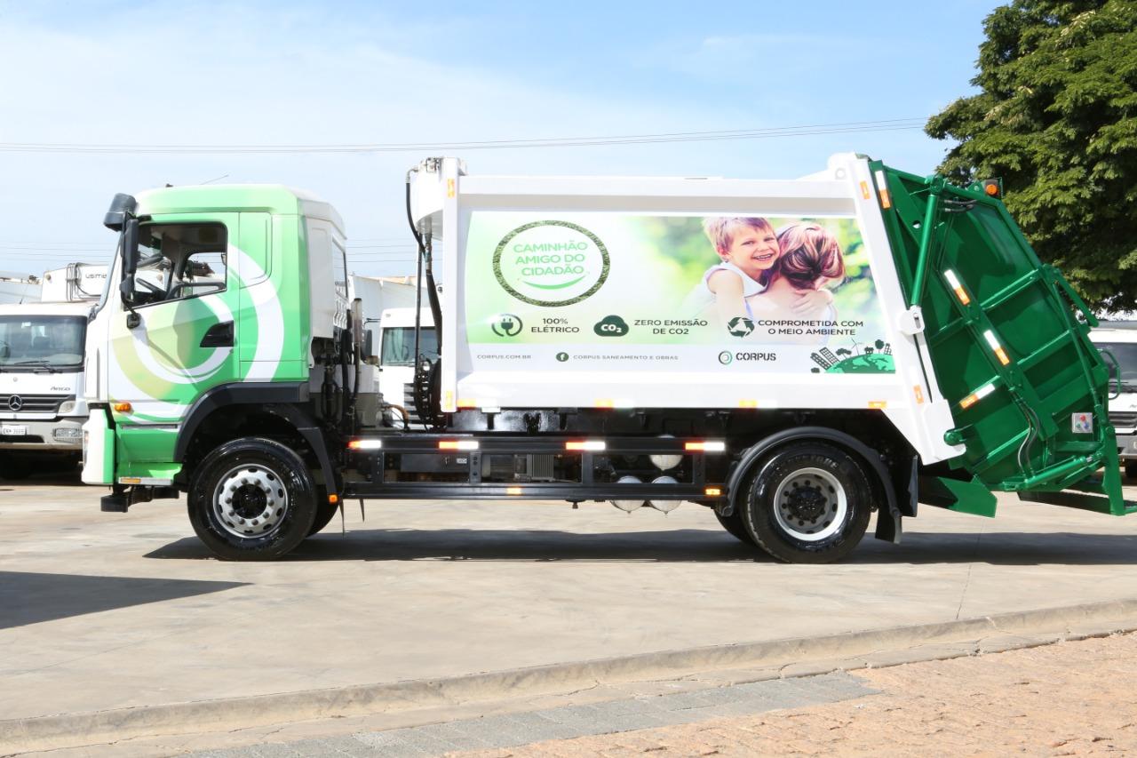 Caminhão de lixo elétrico da Corpus. Foto: Divulgação