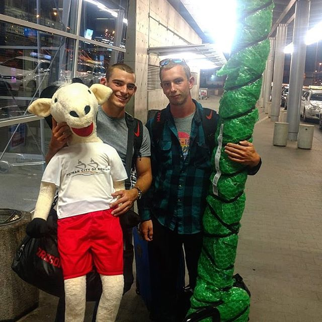 First pic from Poznan? 50% of the crew, some bubble-wrapped oars ... and a GOAT. THE goat? I mean, what does it pull? @fatergos 👀🇺🇸🇵🇱🐐💪🏻😂 #wru23champs #roadtopoznan #rowingrelated #rowinglife #fatergos #rowing #rowingteam #aviron #rudern #canottaggio #roeien #wioślarstwo #remo #thegoat