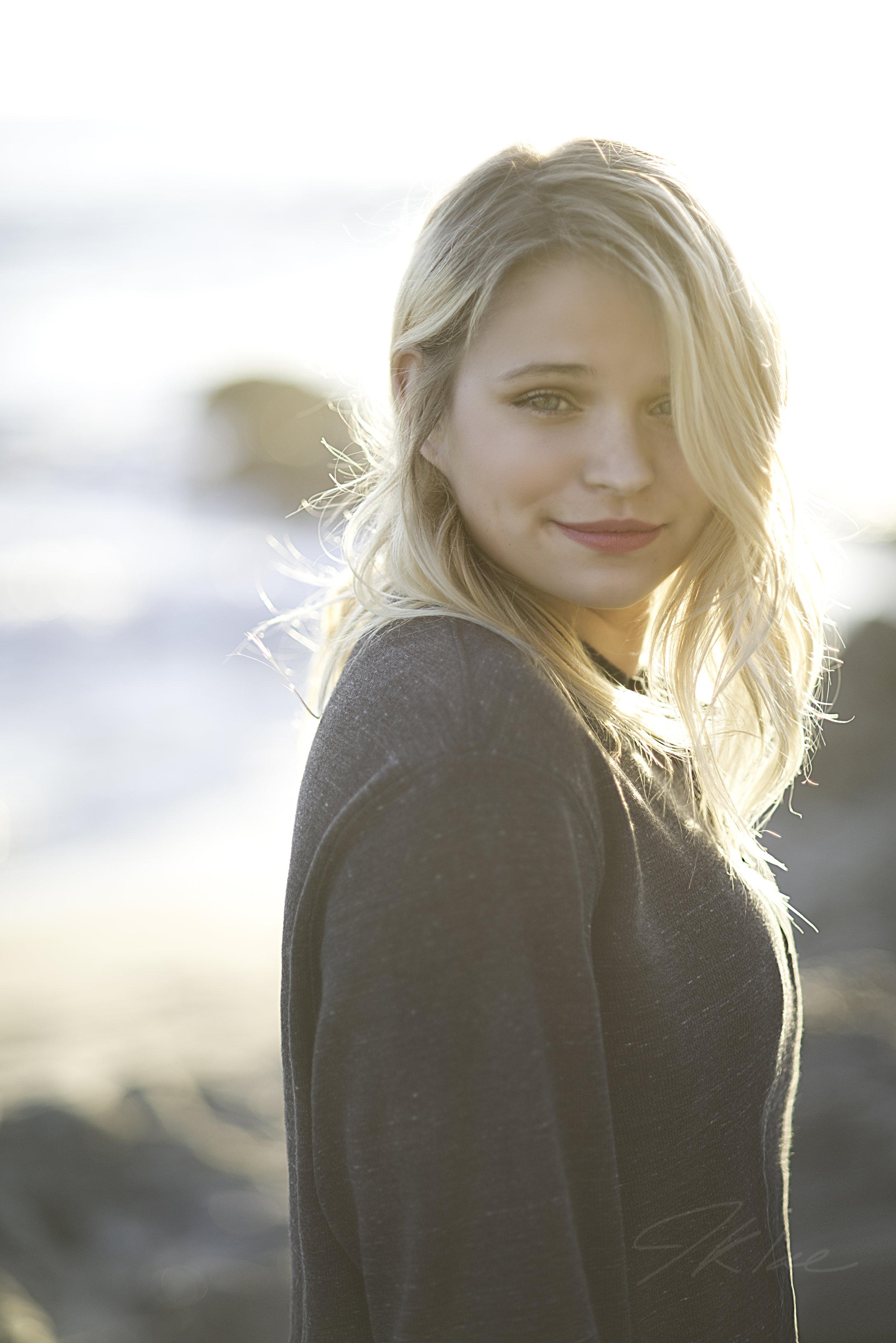Beautiful Girls Senior Portrait on Malibu Beach