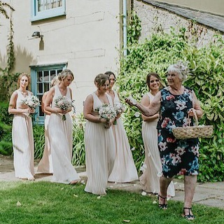 Can we take a moment for Katie's grandma who absolutely OWNED the aisle as she sashayed down it, the naughtiest of glints in her eye, hurling flower petals at unsuspecting guests, as the rest of the bridal squad followed in her wake!!! 😂 WHAT A WOMAN ⚡️💐 ⚡️More grans as flower girls please - they KNOW how it's done! 📷 @danielackerley . . . . . #southfarm #southfarmwedding #southfarmroyston #outdoorweddingvenue #englishwedding #bridesbabes #flowergirls #cambridgewedding #humanistwedding #humanistceremony #realweddings #funweddings #relaxedwedding #bohoweddingideas #outsidebride #farmwedding #yourweddingyourway #junewedding