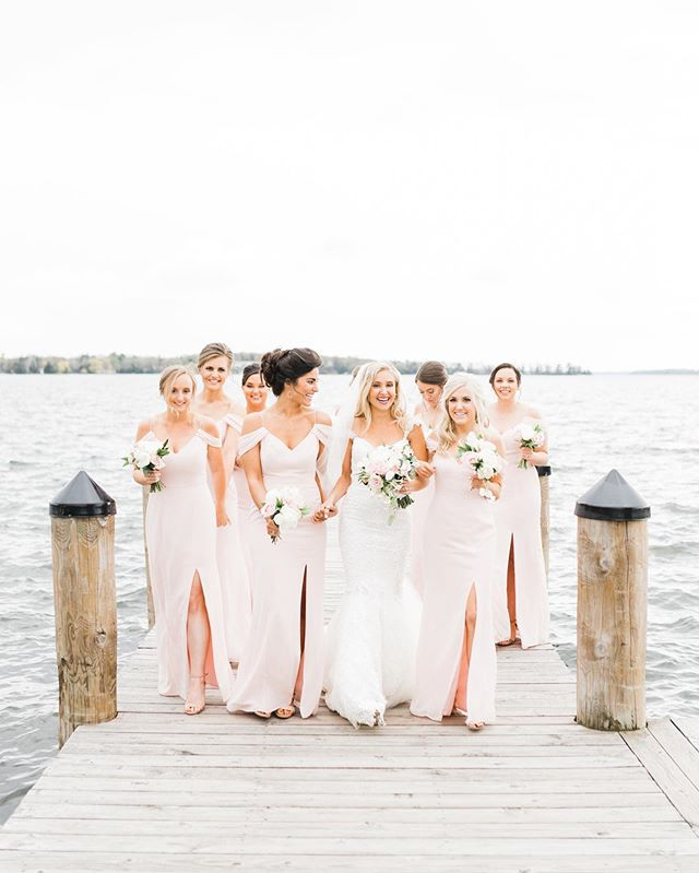Sarah's girls. 💕 Find a squad that will scream at the top of their lungs when they see you in your dress for the first time, hand you champagne, hold your dress above ground as you trek through mud & smile through chilly, windy bridesmaid photos. 💕