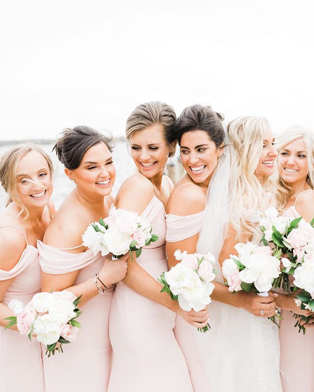 Did you know I'm personally booking a limited number of weddings for 2020? My schedule will fill up quicker than usual if you're thinking of inquiring! But don't worry, if I'm already booked I have a team of amazing associates ready to serve you! 💕