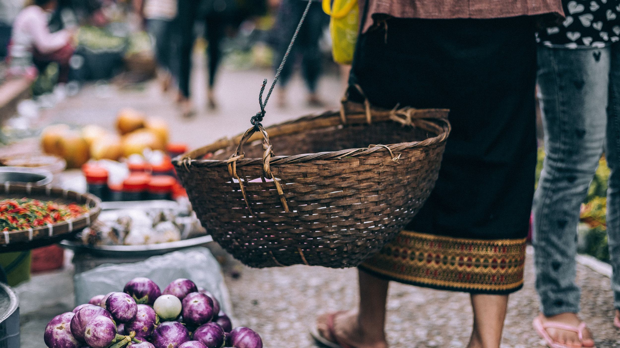How can we make solutions to climate change more accessible by offering a platform for discovery of healthy, flavorful, and sustainable food options in a way that makes people feel excited and empowered? -