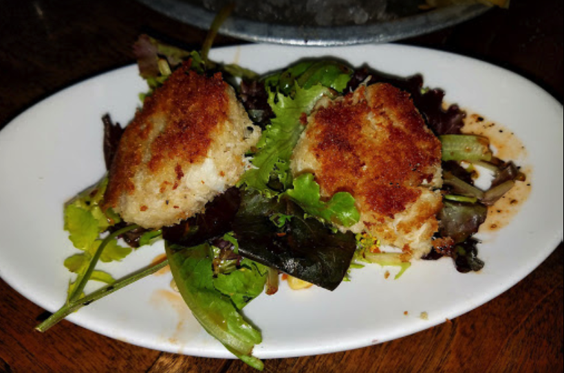 crab cakes.png