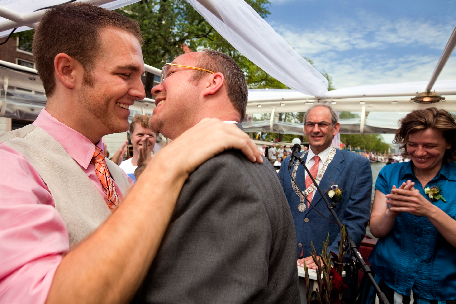 Stephan Hengst and Patrick Decker kiss after exchanging vows during a same-sex marriage ceremony presided over by Amsterdam Mayor Marius Job Cohen.