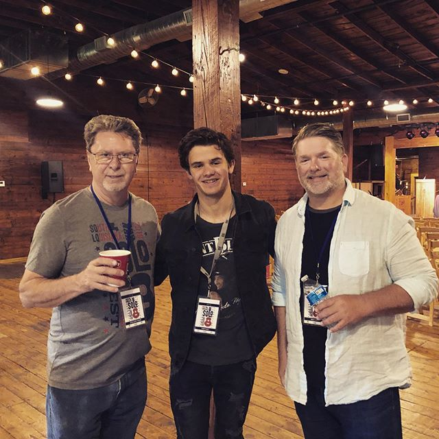 Payton and Eric Smith are at the SOLO Music Industry Conference to share their secrets to Navigating Nashville! Get down here now to catch the panel. New pricing available! $40 for the Saturday panels + that gets you a weekend pass!! $15 for students to attend panels and gets them a day pass for all of Saturday's shows! #solosongfest