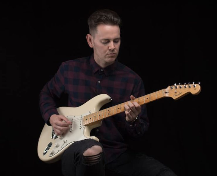 Hire top session guitarists through Kollab...