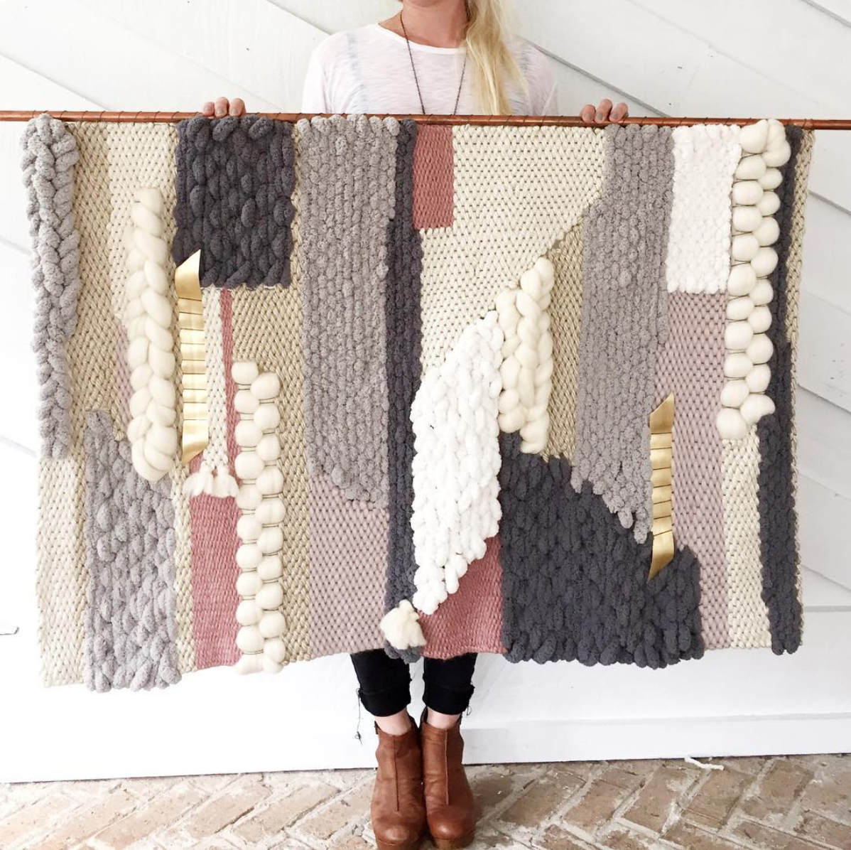 Erin  of  Sunwoven  is so incredibly talented it literally blows my mind. AND, on top of that she is a bad ass chick that shares my love of interior decorating.
