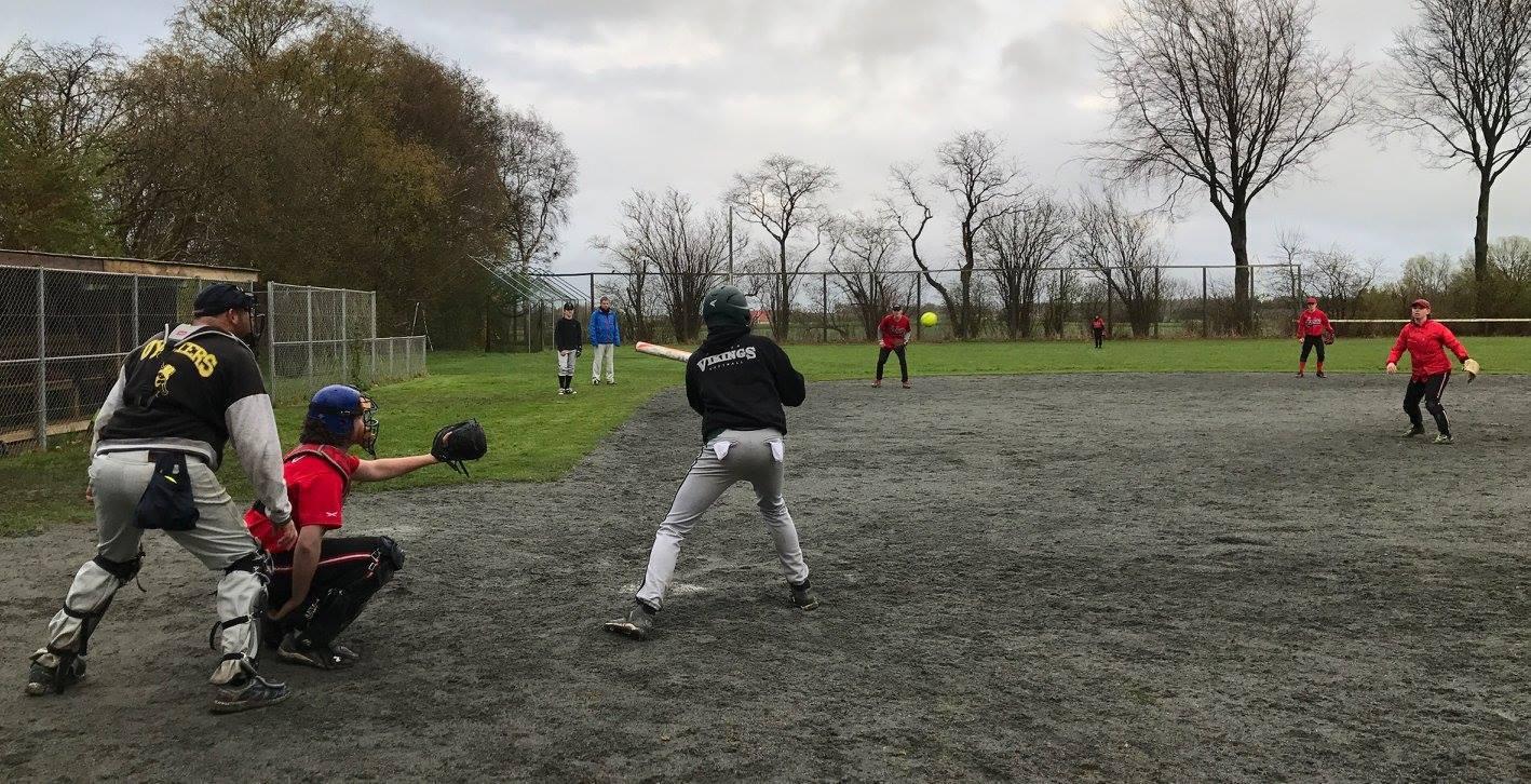Århus Baseball Softball Klub til Fast Pitch Softball Kamp i Øksendrup hos Oysters