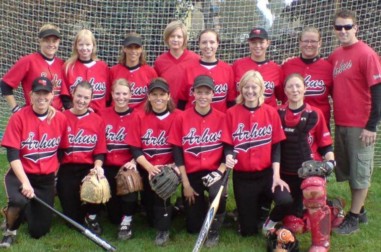 Women's Softball Team, year 2006