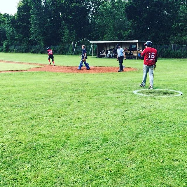 Despite the weather, we still managed to have a fun time in Odense and win both games against @odensebaseball & Herning Trolls🤗 thank you to @katjakuntz  and @hana_g for playing with us 🥳 #baseball #åbsk #aarhusbaseball  #odensebaseballfield  #herningtrolls  #gameday⚾️ #odense  #aarhus #herning