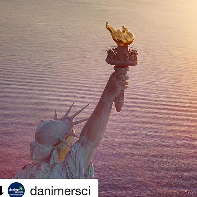 This. Is. Incredible.  #Repost @danimersci with @get_repost ・・・ ⚠️ #NEWS ALERT: New York to ban #plasticbags statewide, which would mark the second statewide ban after California did so in 2016.  New York's ban would begin March 2020 and would restrict stores from providing customers with single-use plastic bags.🗽🏙  Read more about the ban at the [link in our bio].  #newyork #plasticban #singleuseplastic #sustainability #environment #gogreen #biodegradable #plastic #endplasticpollution #saveouroceans #saveourplanet #ecofriendly #environmentallyfriendly