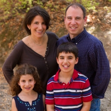 Lisa Goldman - A 40-something mother and wife, Lisa was diagnosed with advanced non-small cell lung cancer (NSCLC), Adenocarcinoma (ROS1+) when she was 41. She had no risk factors for lung cancer nor family history of the disease.
