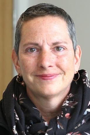 Doreen DiSalvo, Carcinoma Ductal Invasivo - Detalles del cáncer: Etapa 2B, Triple PositivoPrimeros síntomas: Bulto en el seno izquierdoTratamiento: Quimioterapia Neoadyuvante de TCHP, Lumpectomía, Radiación