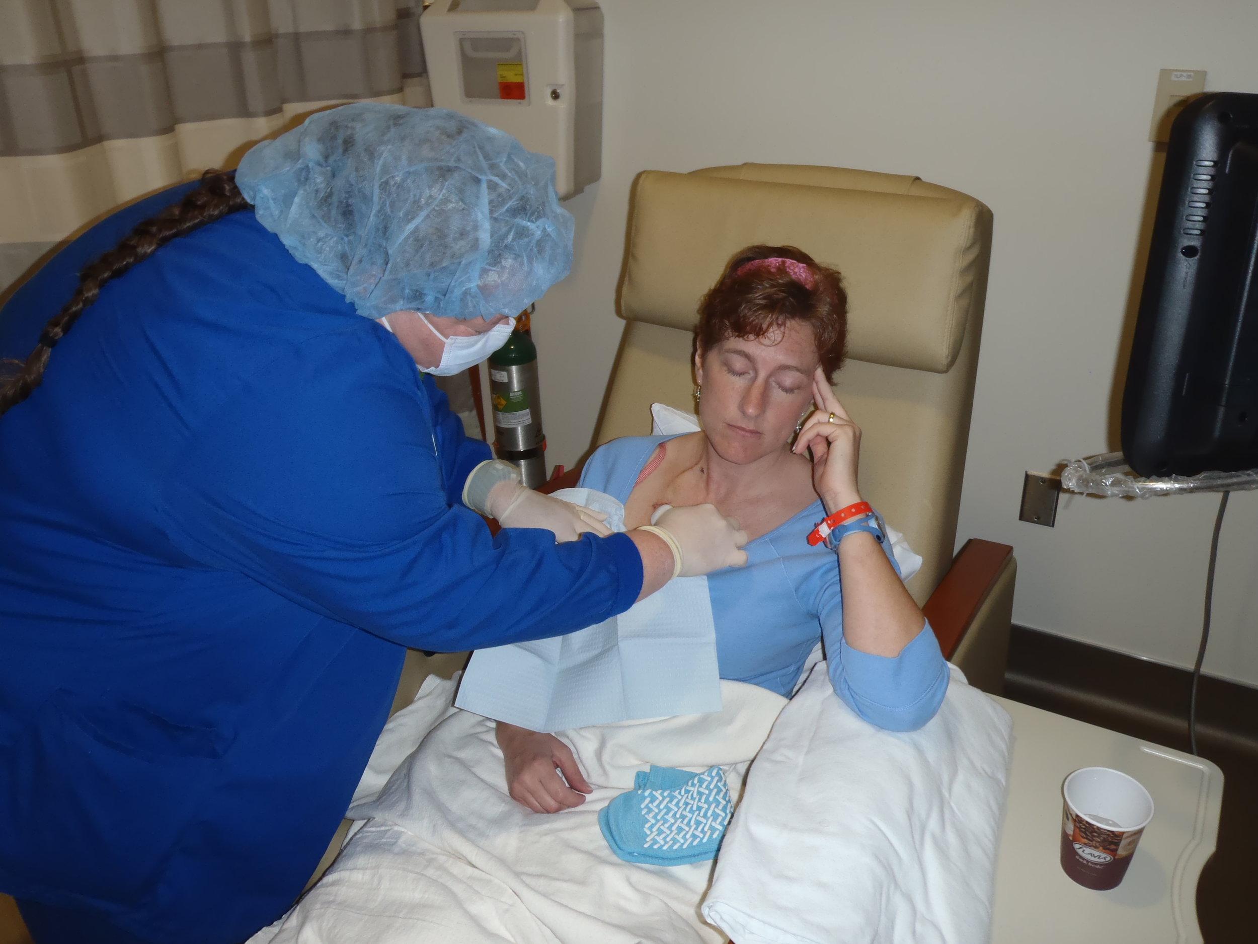 Nurse giving chemo.JPG