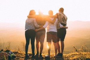 four+friends+sunset.jpg