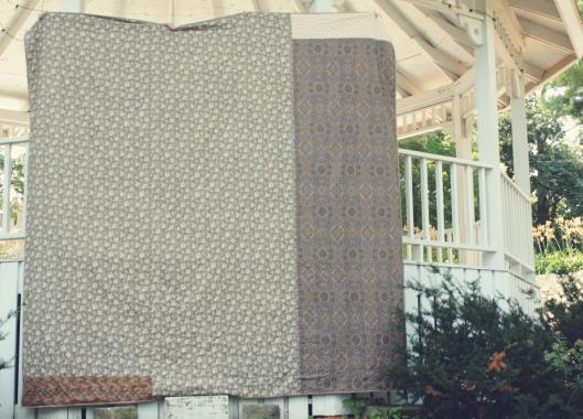 back-of-liberty-lifestyle-barn-raising-quilt.jpg