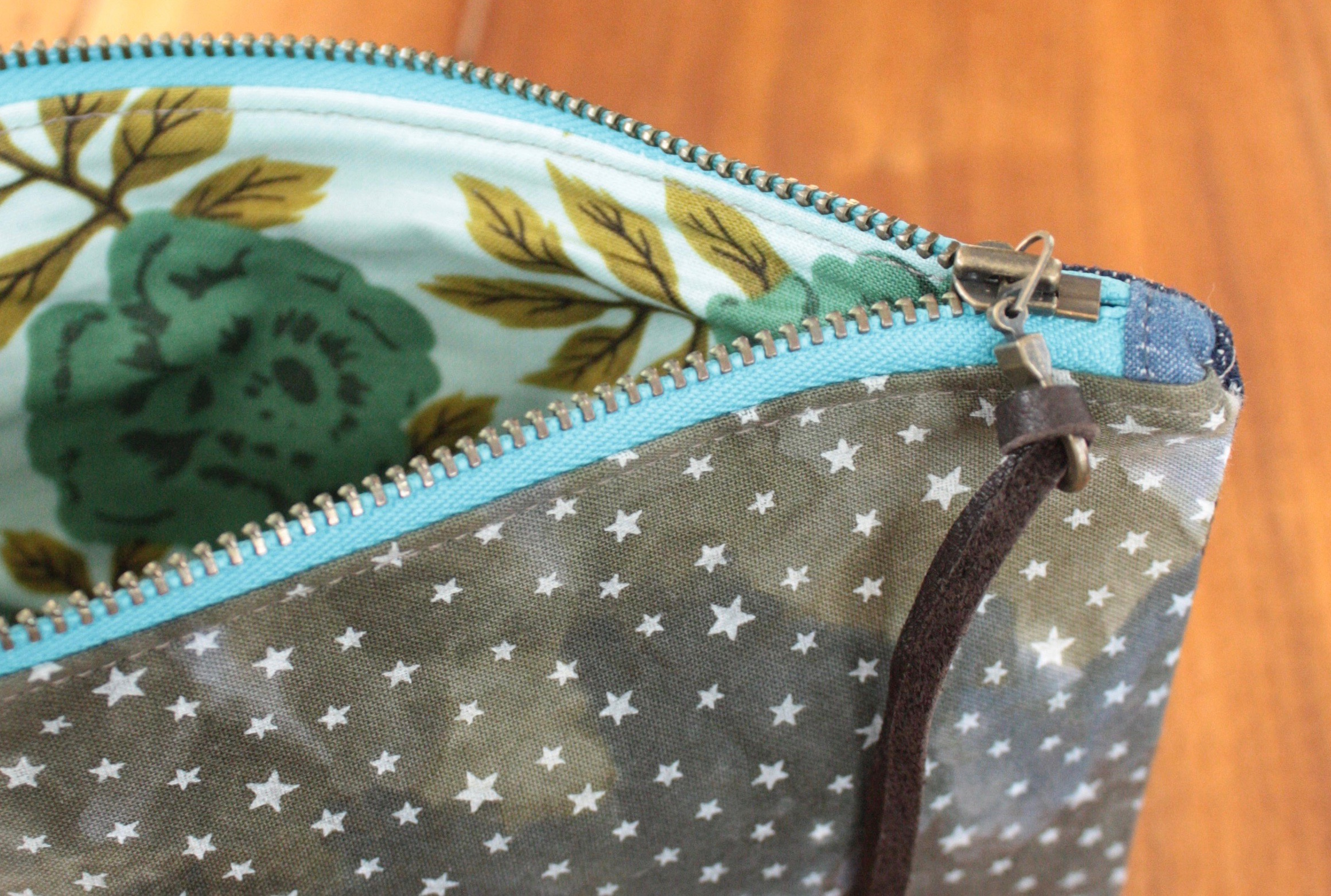 zipper pouch - night sky interior 2.jpg