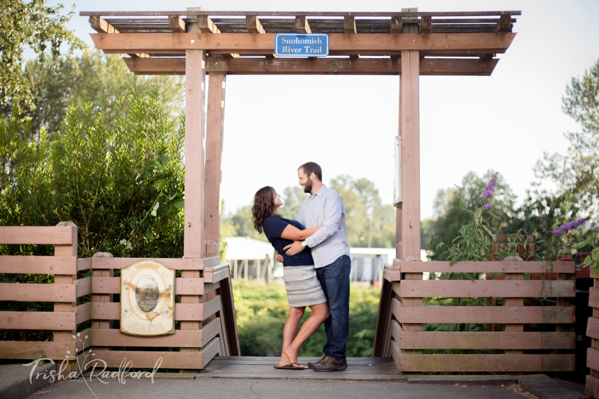 Engagement Photographer | Downtown Snohomish