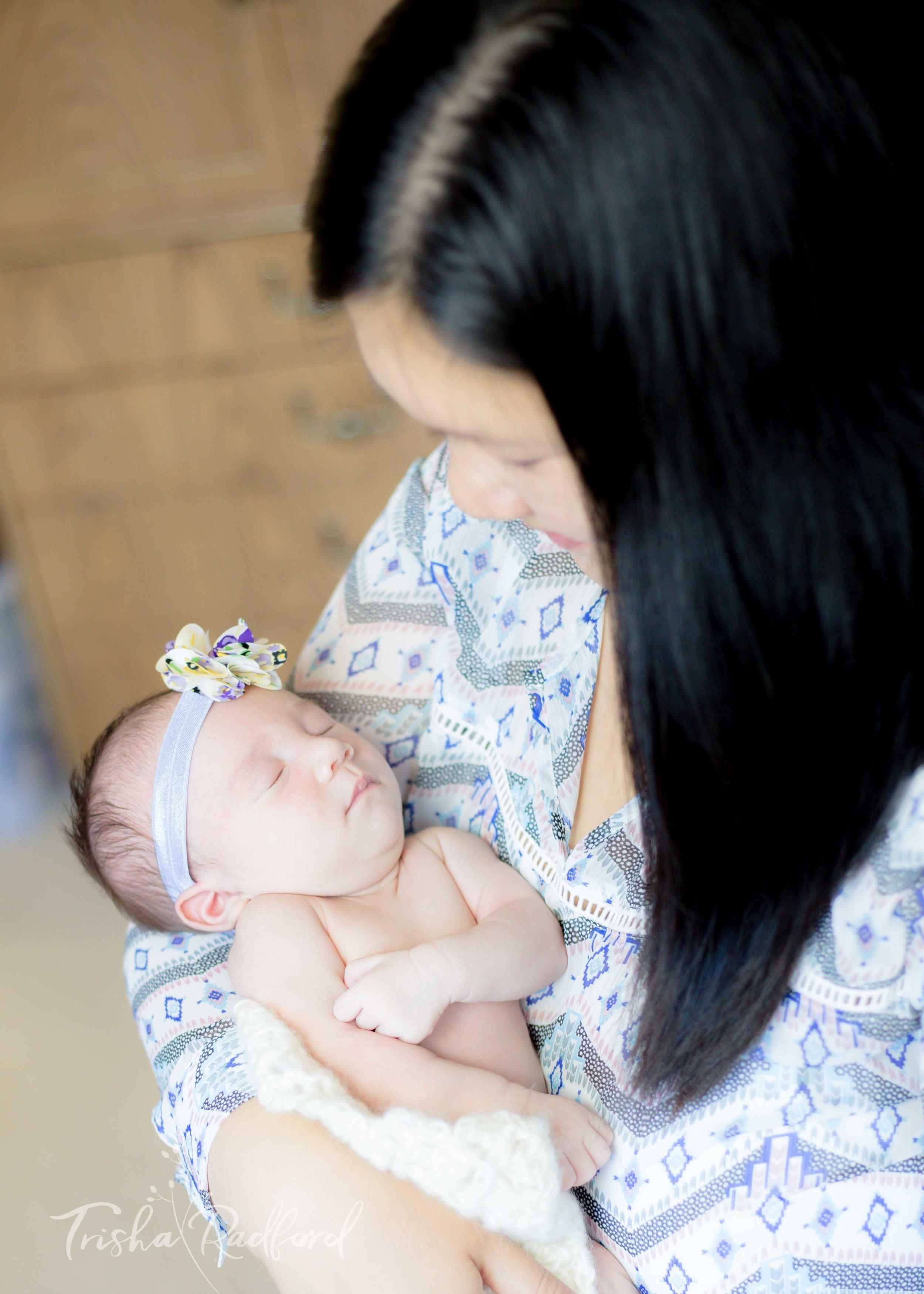 Lifestyle Newborn Photographer | Everett, WA