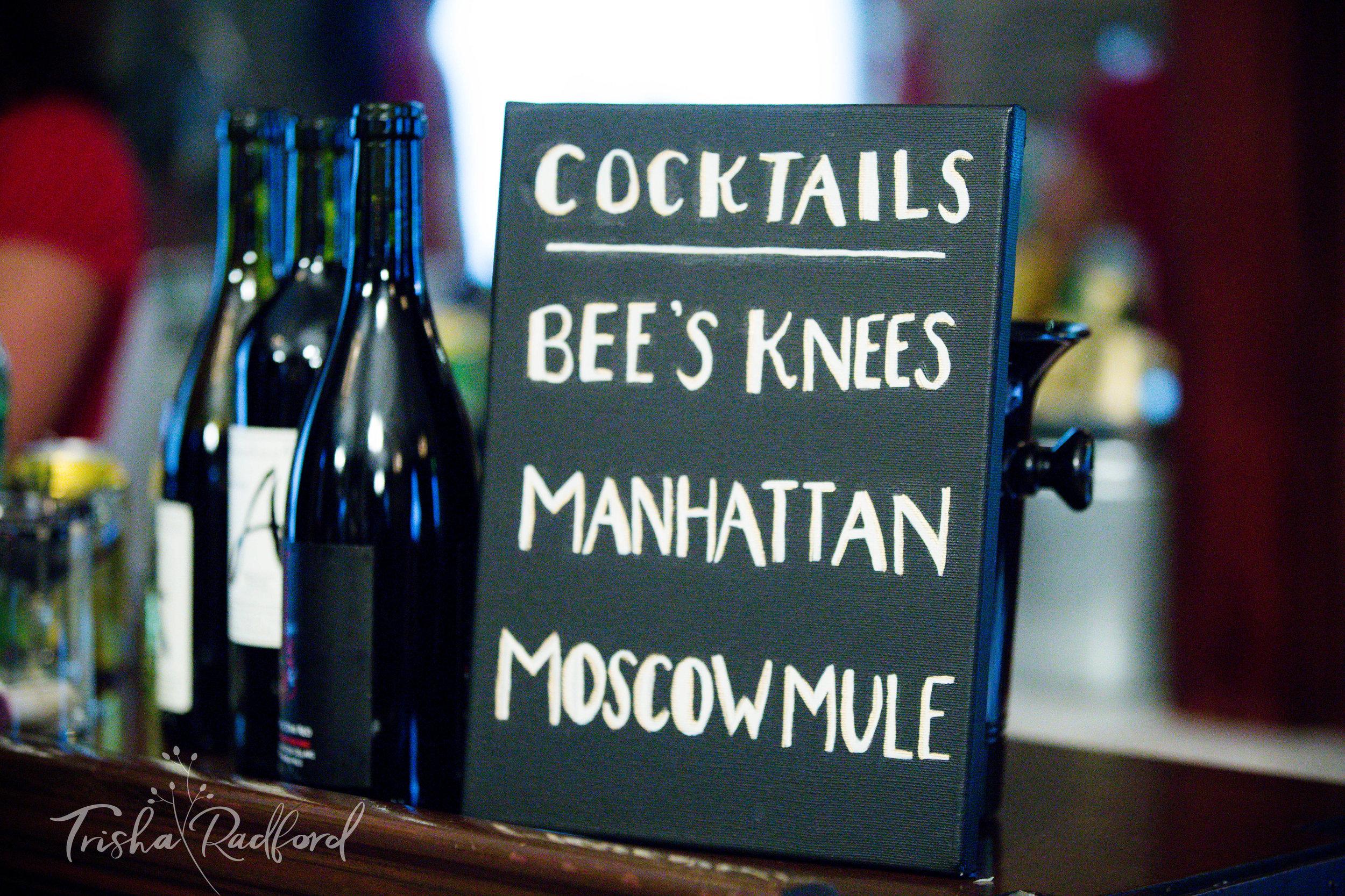 Bar Sign   Snohomish County Wedding Photographer