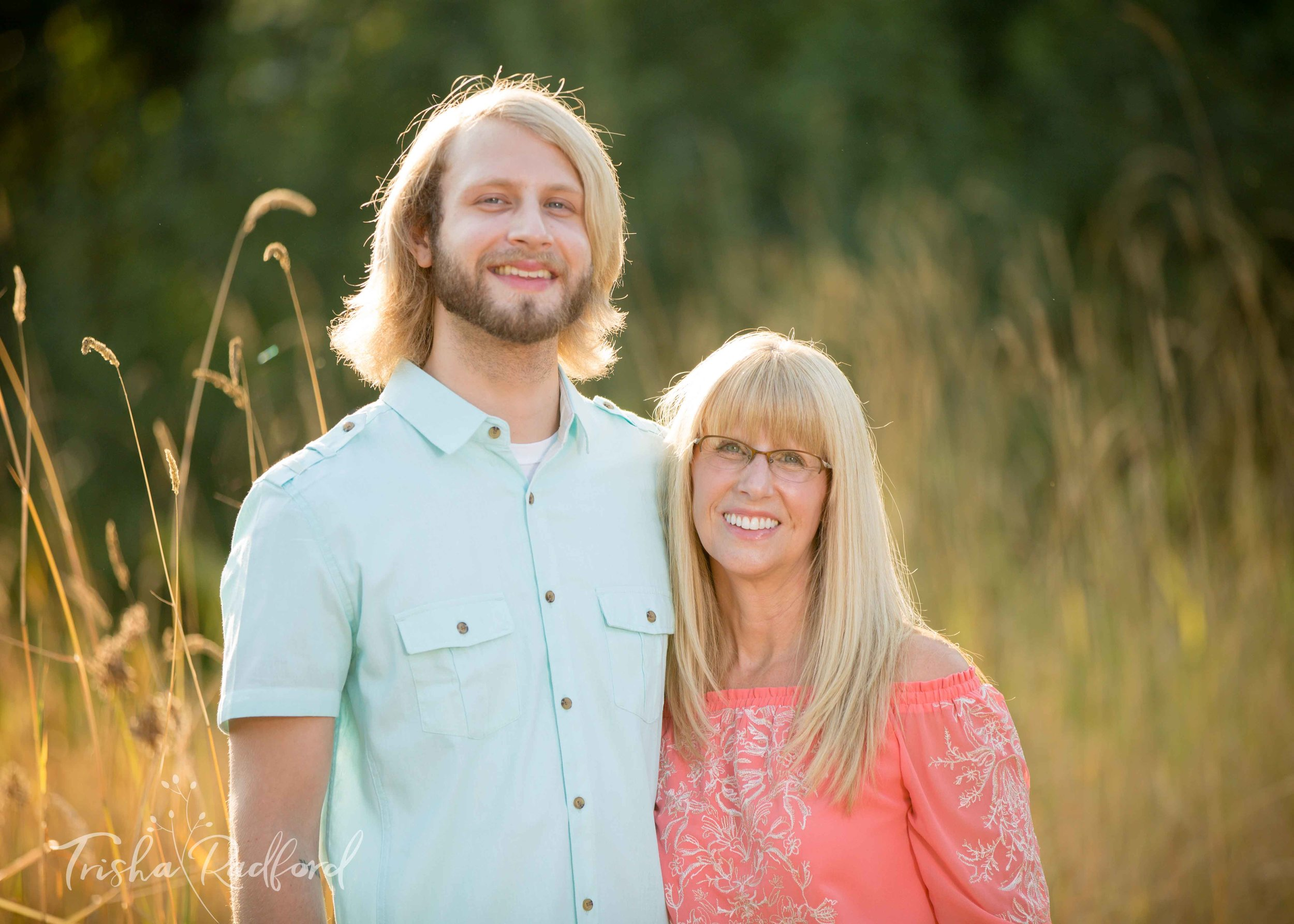 Family Portrait Photographer | Snohomish County WA | Pilchuck River