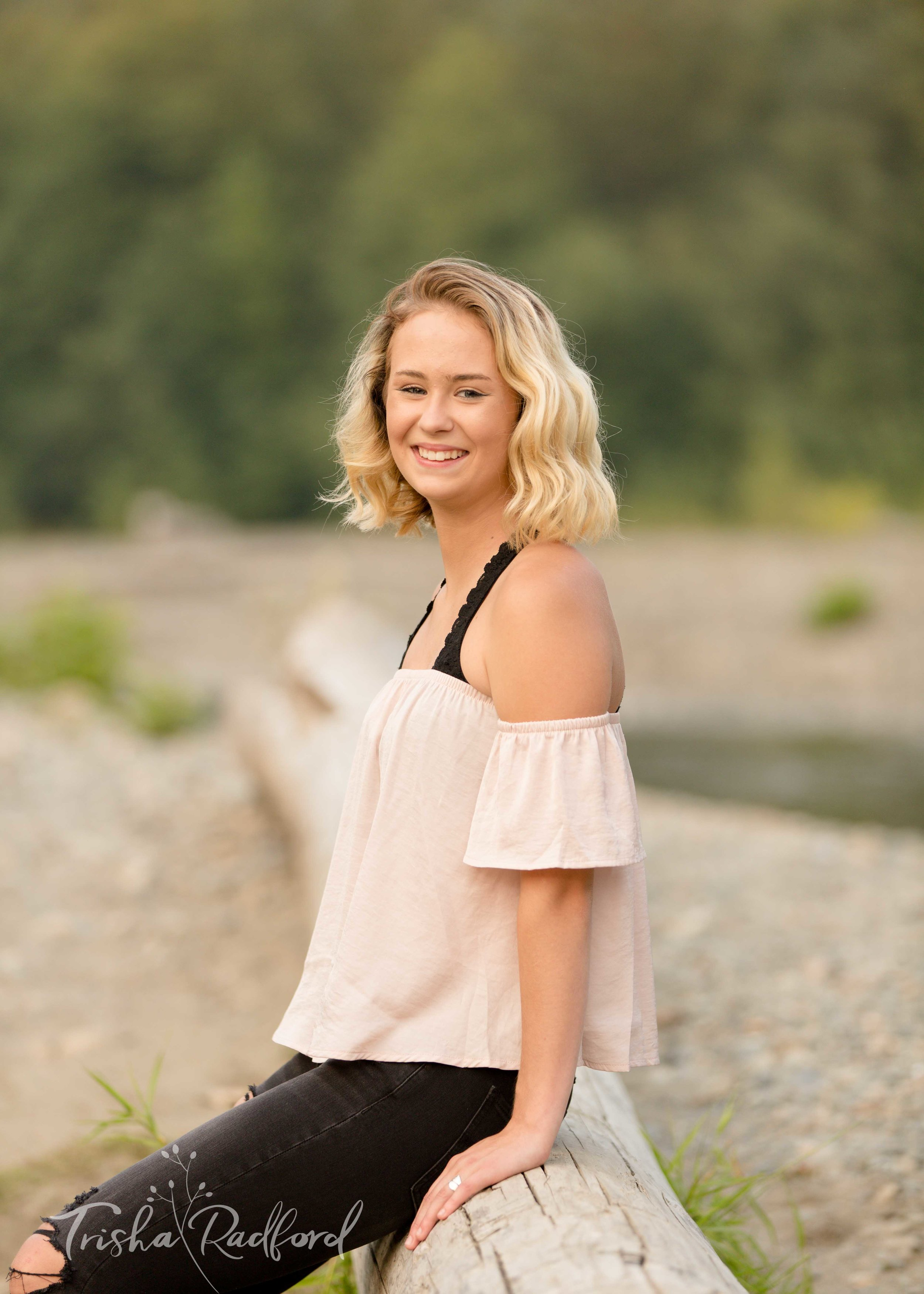 Senior Portraits | Snohomish County Photographer | Pilchuck River