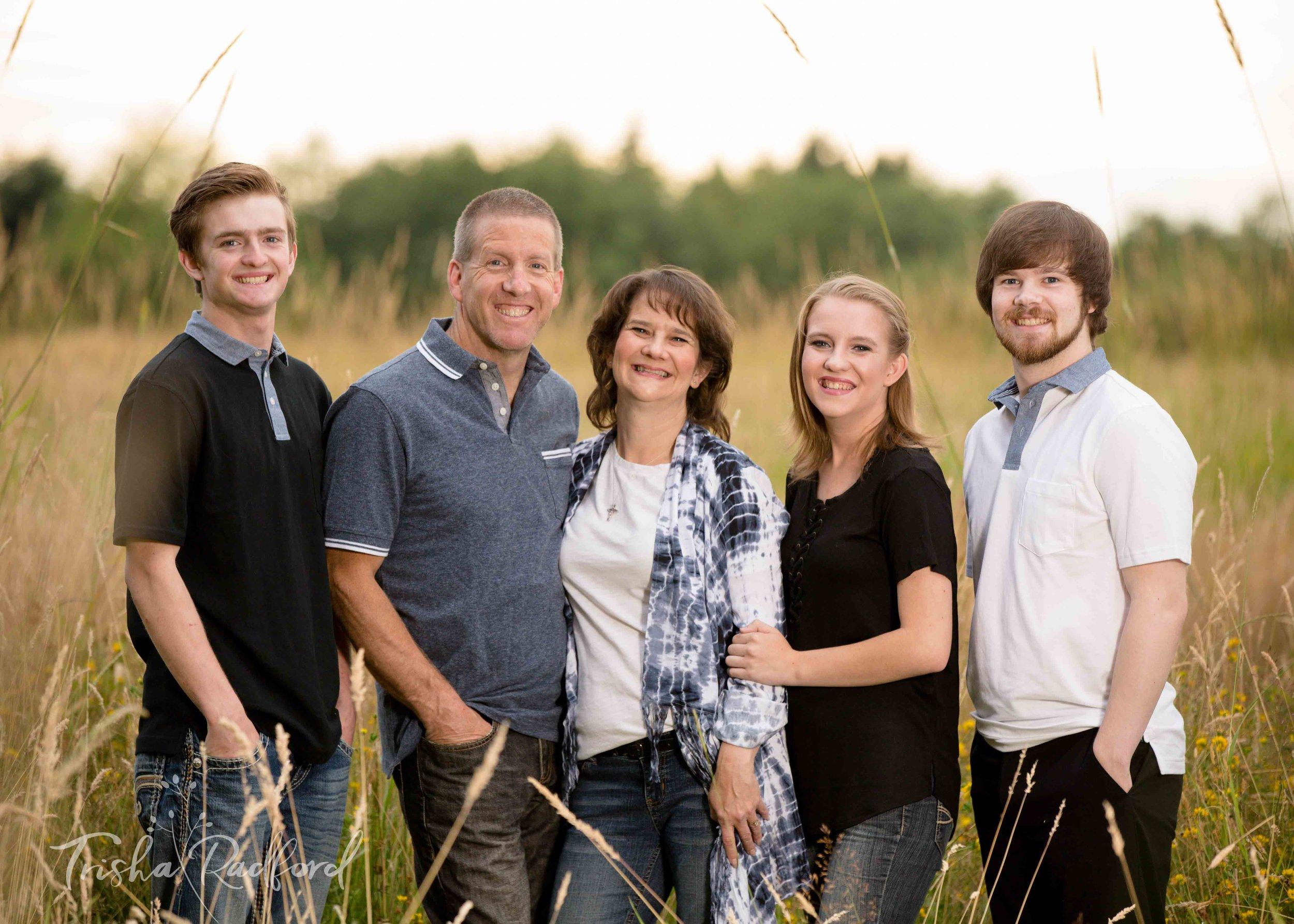 Snohomish County Family Portrait Photographer, Cavelero Hill Park, Lake Stevens WA, Family Photography