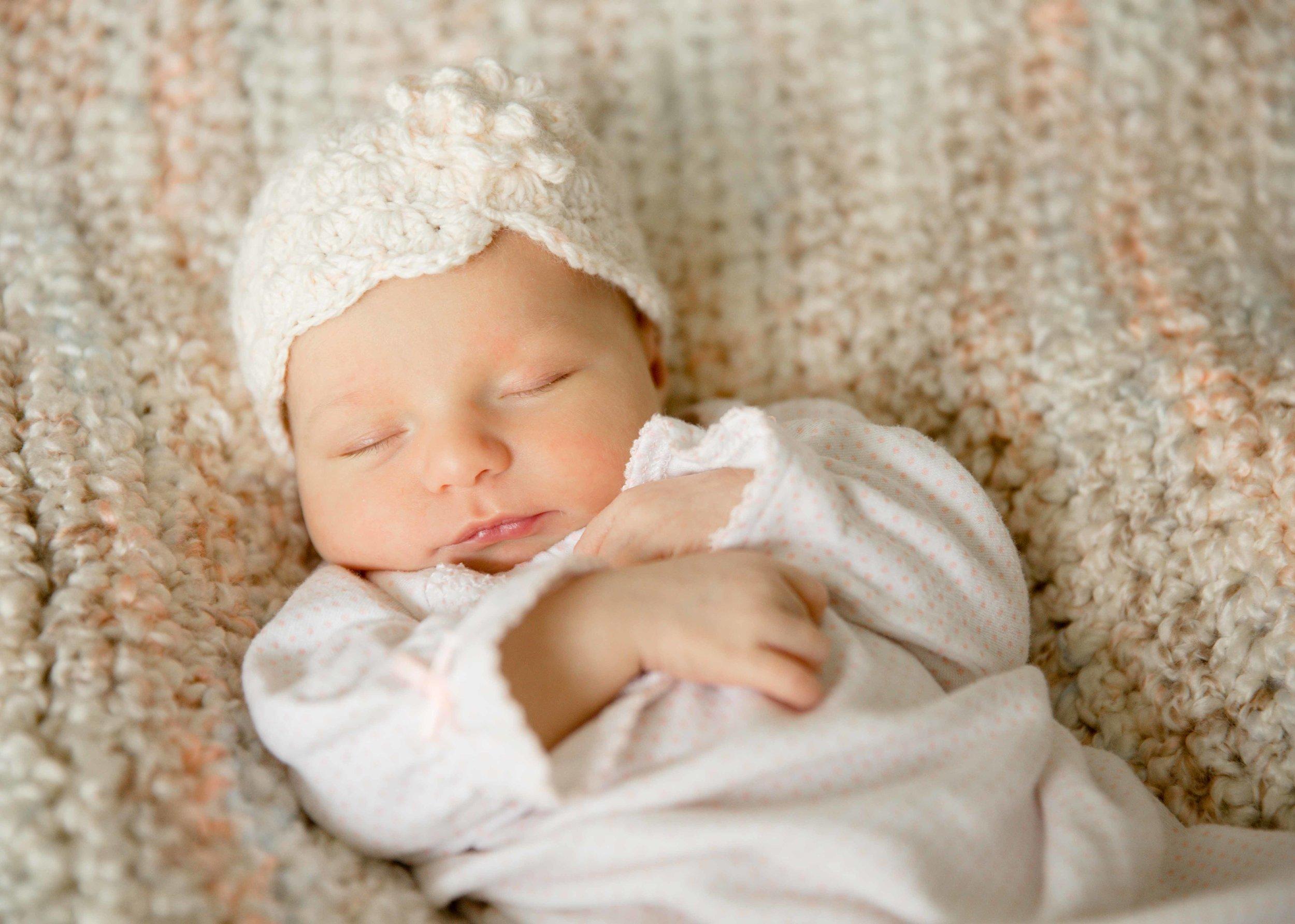 Lifestyle Newborn Photographer | Snohomish County