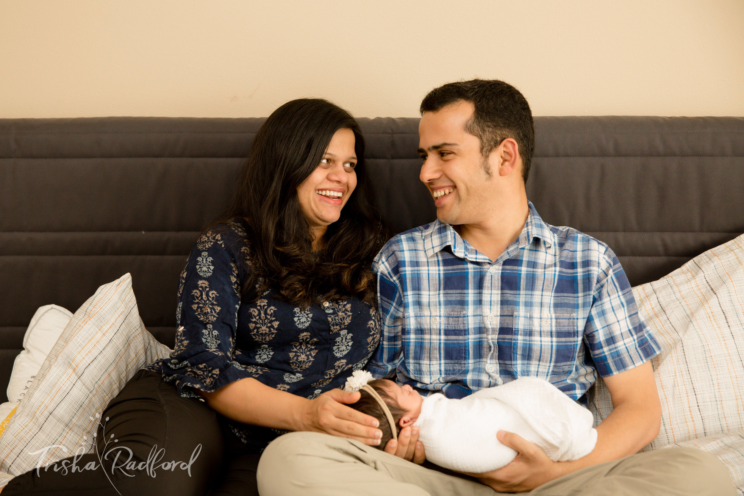 Lifestyle newborn family photoshoot