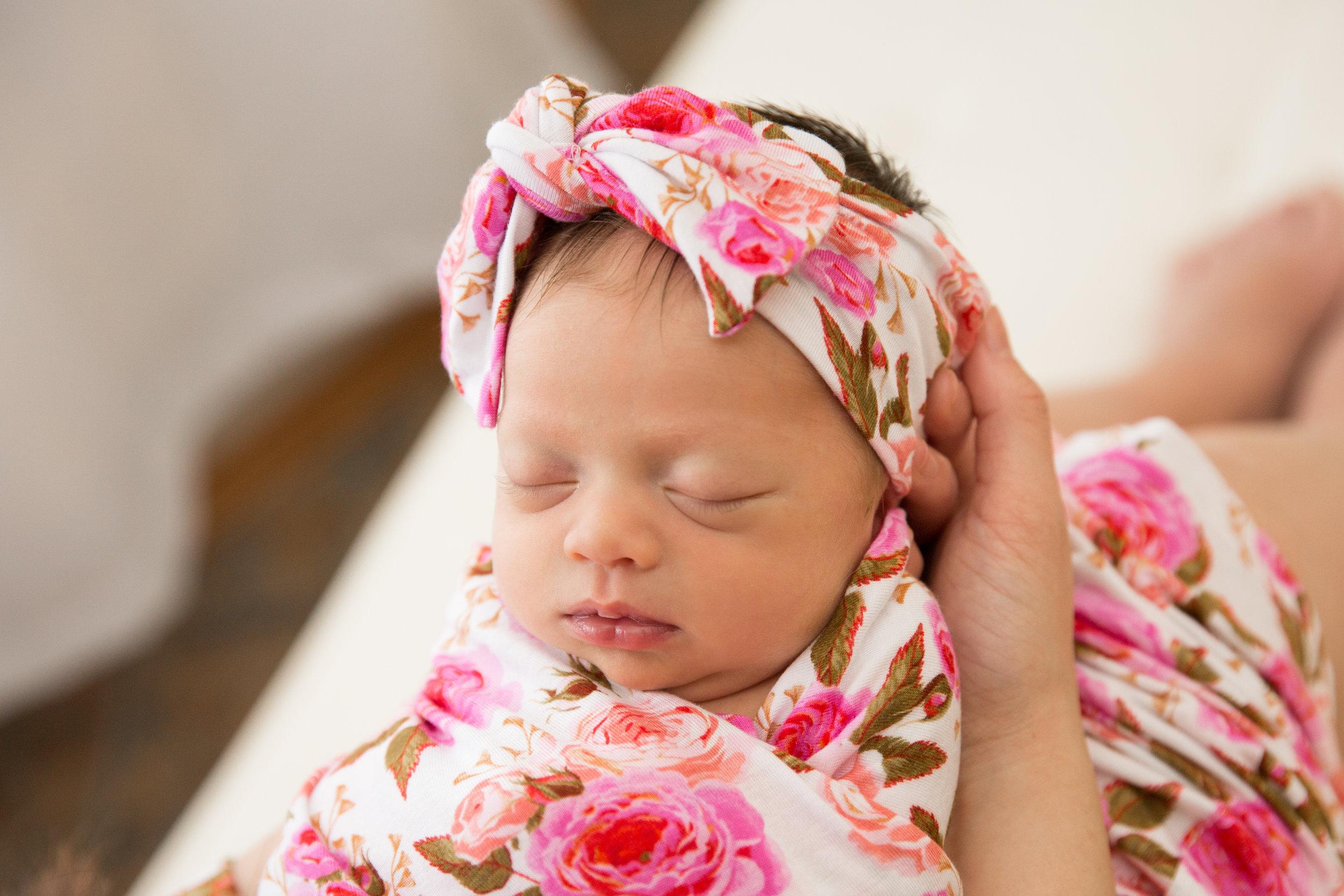 Lake Stevens Lifestyle newborn photographer in snohomish county