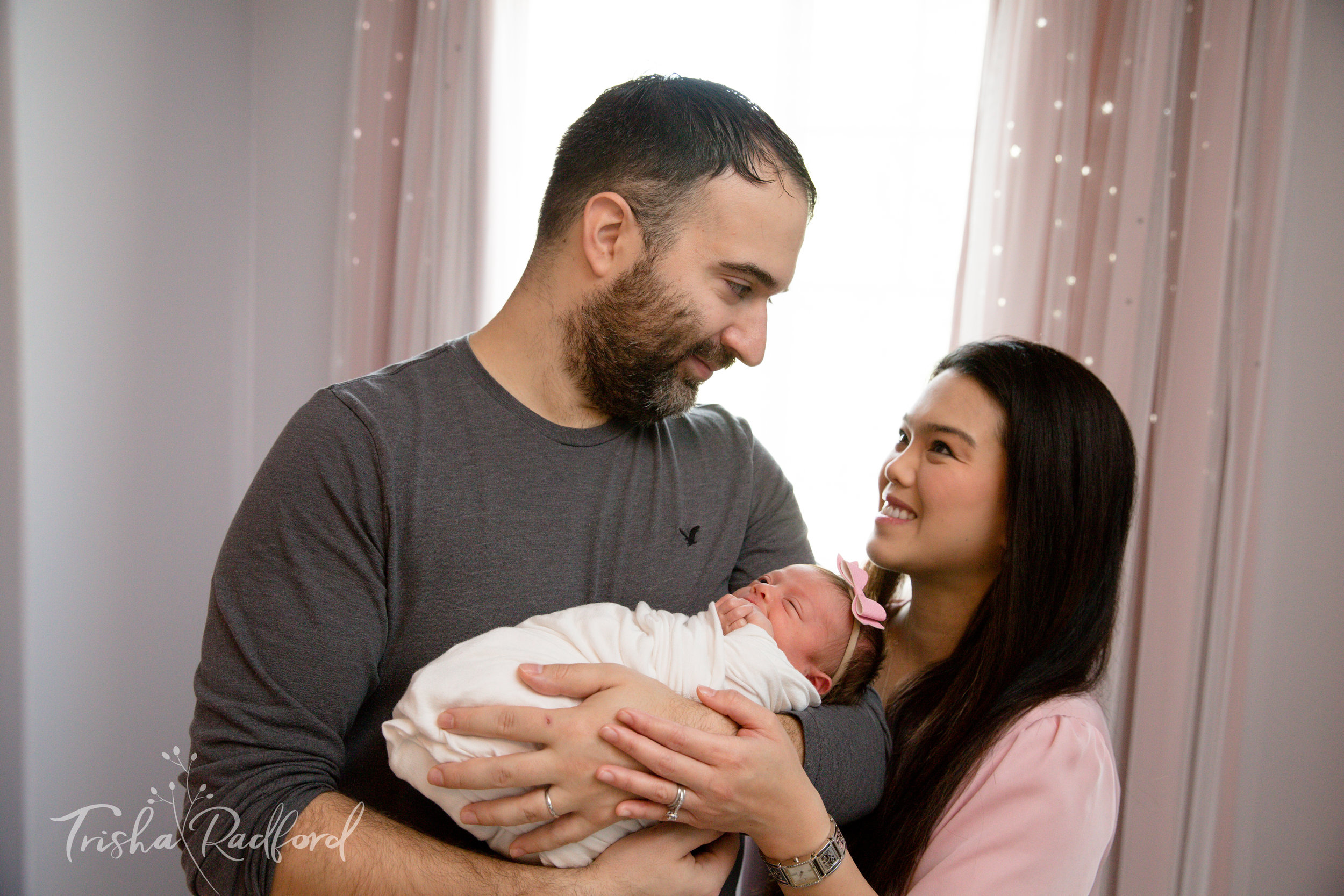 Lake Stevens Lifestyle newborn photographer in snohomish county