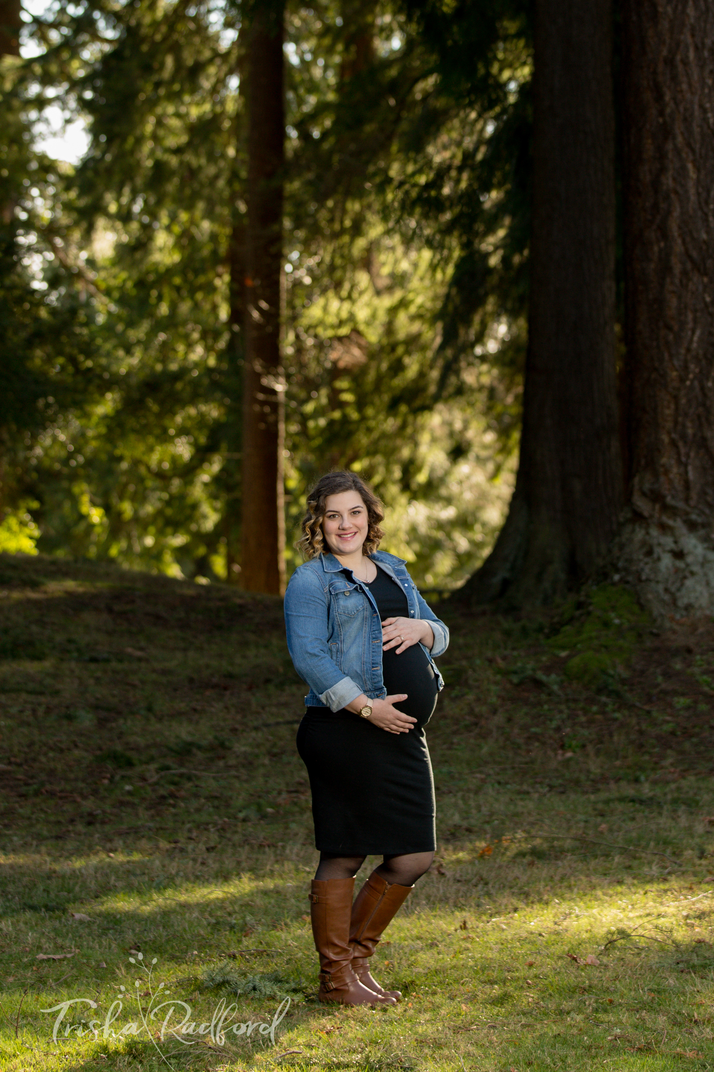 Maternity Photoshoot in Snohomish, WA