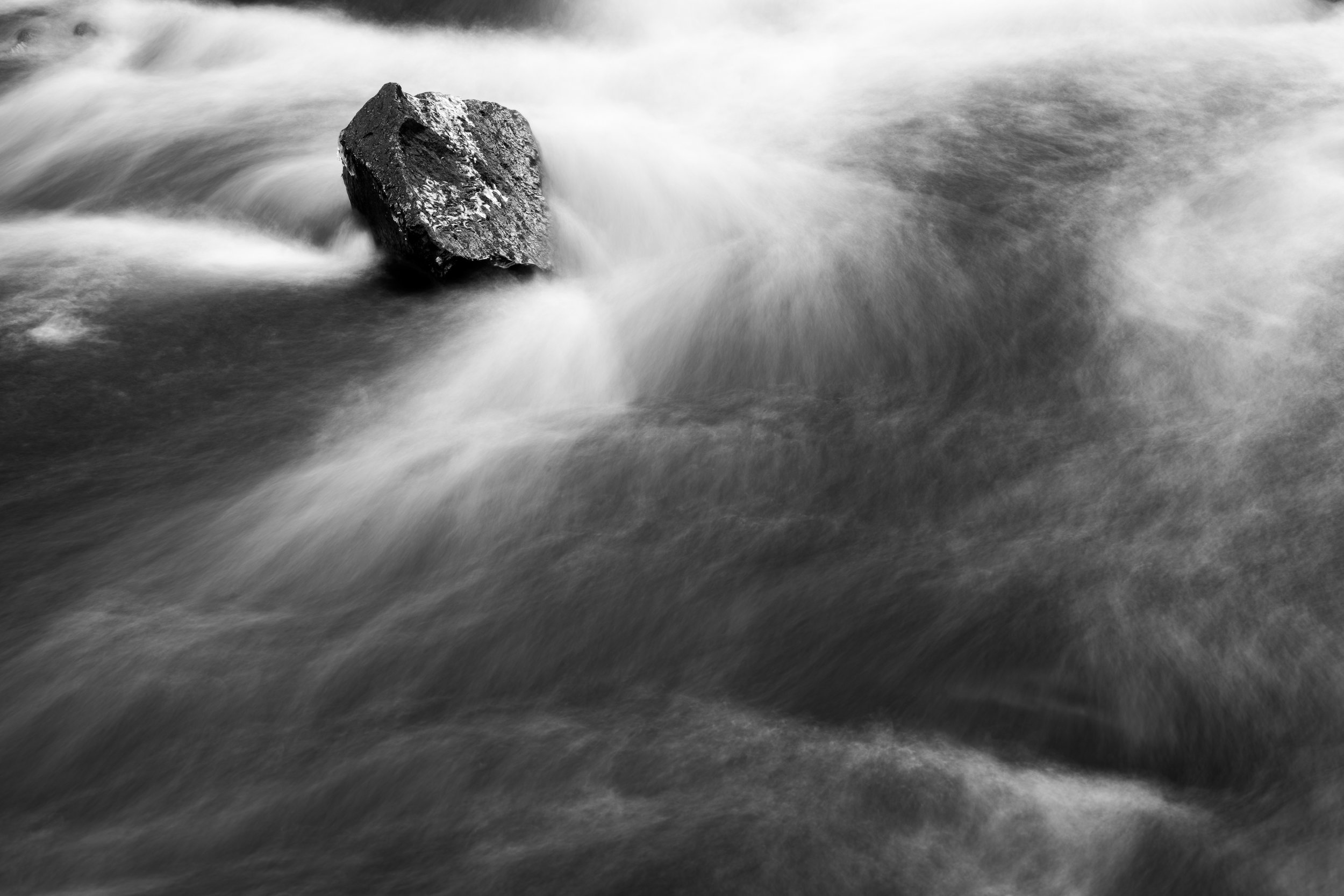lone_boulder_waterfall.jpg