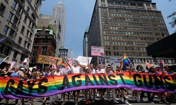 gays-against-guns-pride-march-2016.jpg