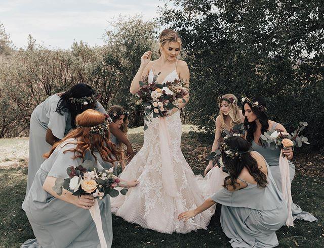 Bride Tribe 🖤✨ • • • Bride: @nikkilynnsee  Venue: @sacredmountainjulian  Second Shooter: @kamisparksphotoii  Florist: @flora_fauna_design  Dress: @luv_bridal  Make up: @___makemeblush  Hair: @bbshairdos  Coordinator: @familyaffairweddings  Videographer: @eric_swagginson  Photo Booth: @sdphotobus • • • #greenweddingshoes #weddingchicks #stylemepretty #authenticlovemag #theknot #dirtybootsandmessyhair #justalittleloveinspo #sandiegoweddingphotographer #orangecountyweddingphotographer #socalweddingphotographer #southerncaliforniaweddingphotographer #bohowedding #bohobride #wedphotomag #voguebride #bridesmaids