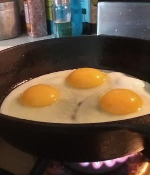 Egg frying.jpg