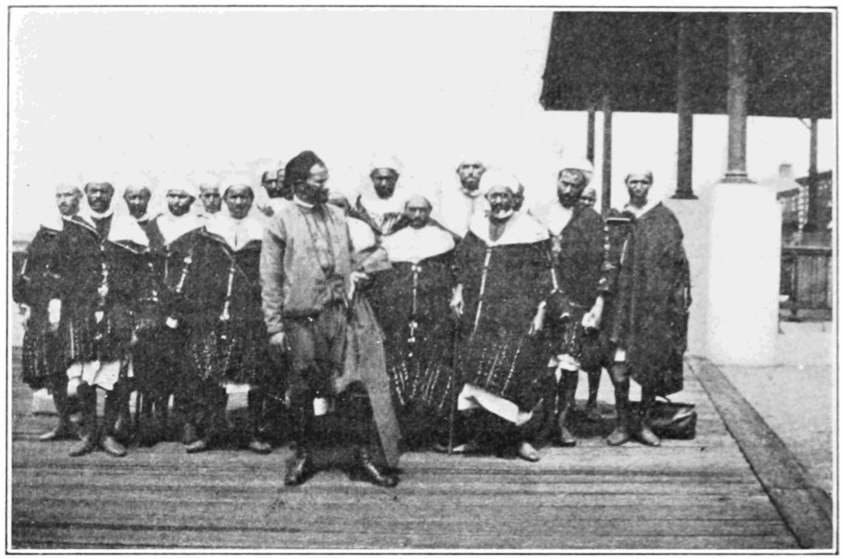 PSM_V83_D340_Algerian_arabs_at_ellis_island.png