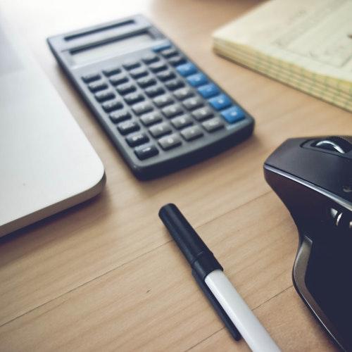 background-calculator-desk-433636.jpg