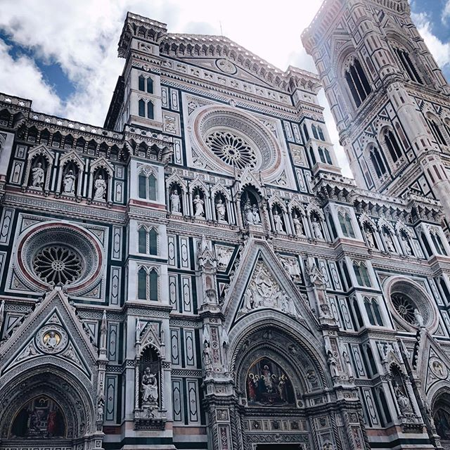 Going into full market prep mode this week so I thought I'd share another cathedral we were lucky enough to visit! This is the Duomo in Florence, Italy! Details from this enormous and breathtaking structure were the inspiration behind the Florence earrings! Swipe to see! 🤗 I'll be at Renegade this weekend at Magnuson Park, Seattle! Come visit and try these on in person! 😍 #florence #duomo #italy