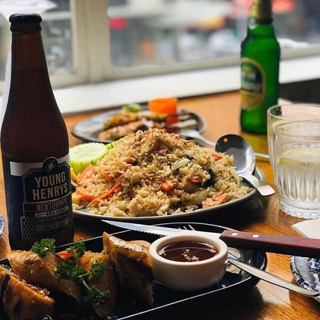 Above us lies a Thai gem @peppercorn_at_civic offering you a slice of your Thai favourites. Open til 10pm on weekends. 🇹🇭 #thaifood #civichotel #peppercornatcivic #sydneycbd