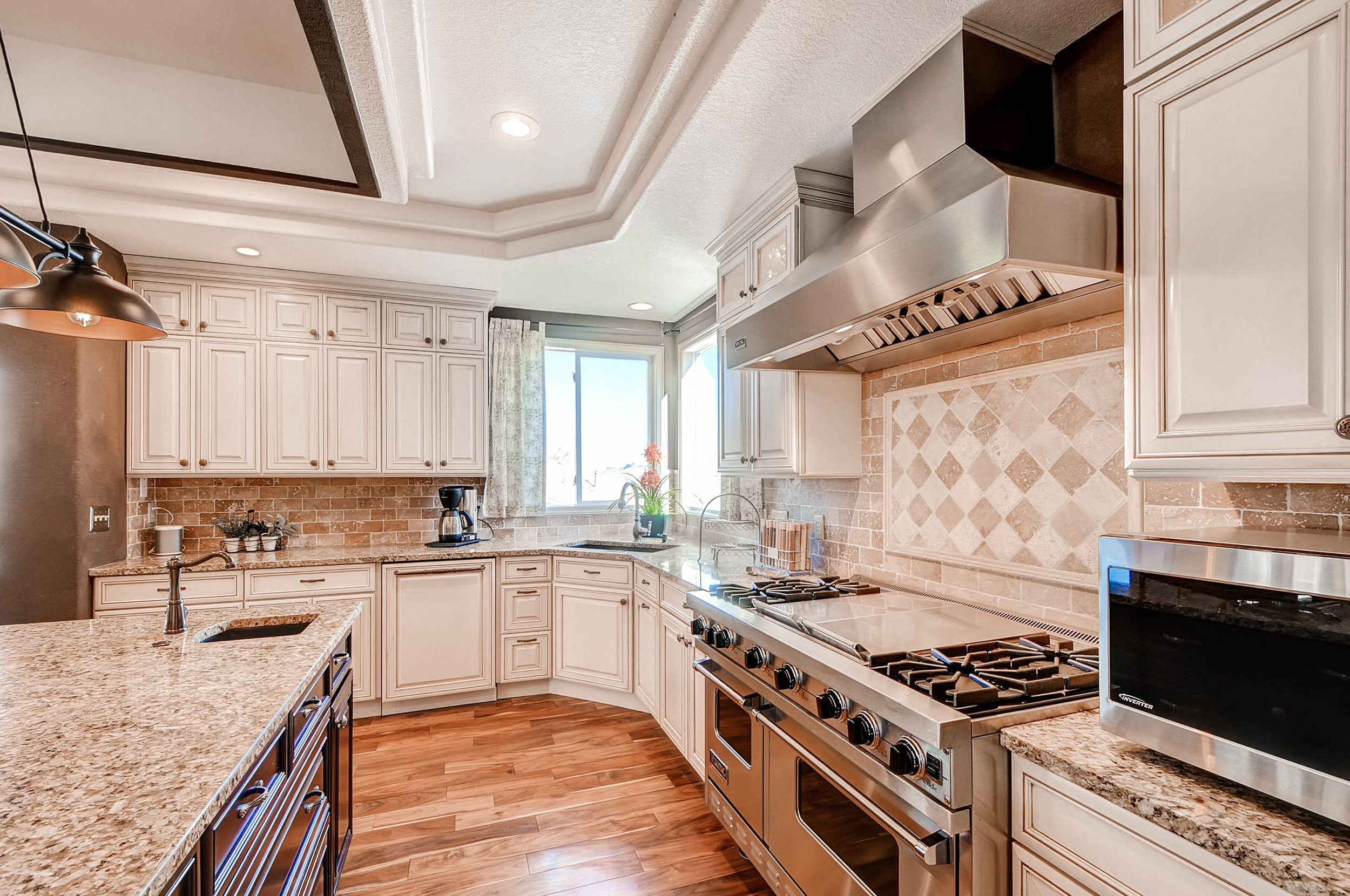 245 West Dr Golden CO 80403-print-008-1-Kitchen-2700x1793-300dpi.jpg