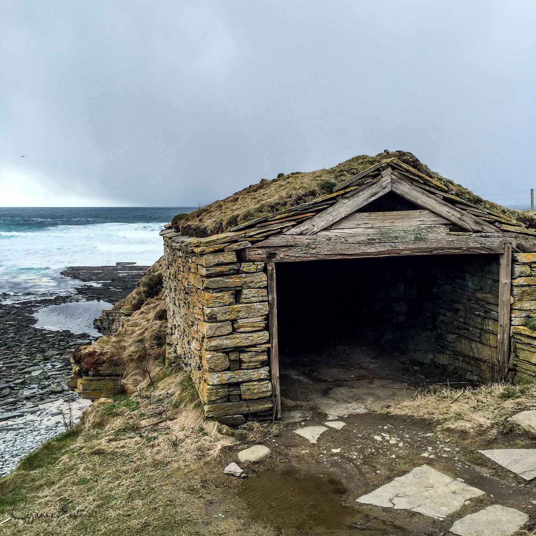 Marwick fisherman hut in a storm