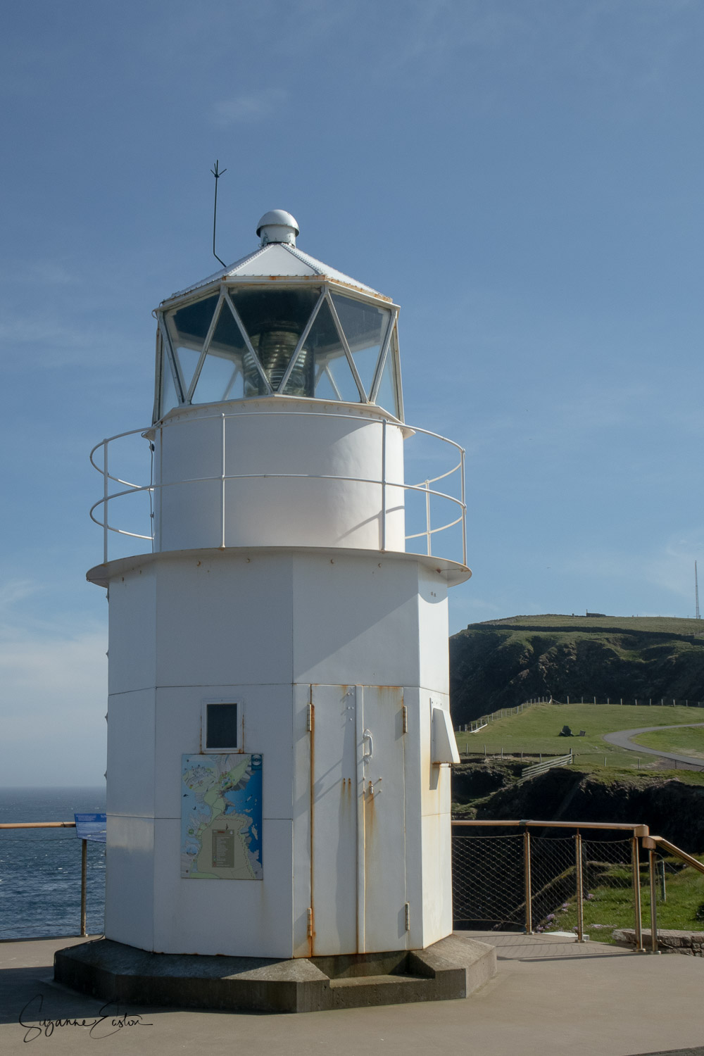 Old Muckle Roe lighthouse