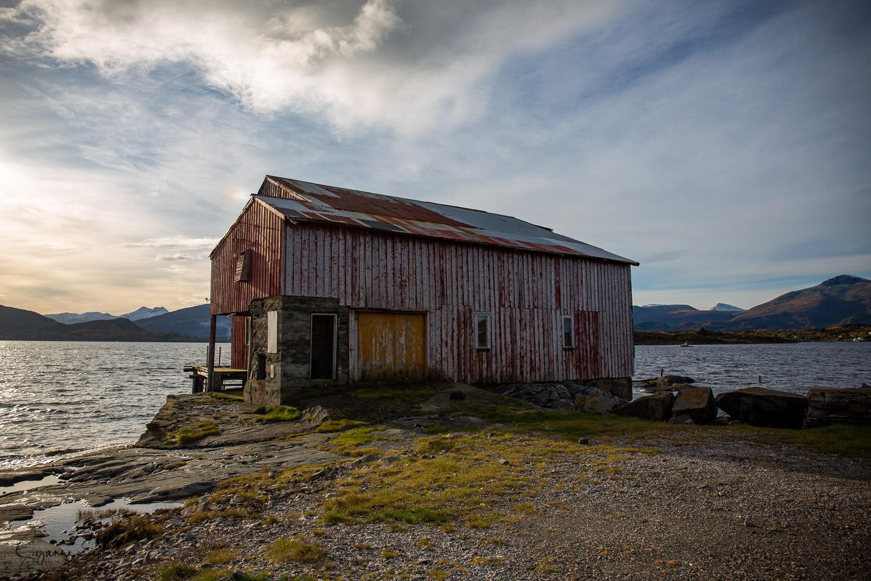 fishing shed-9.jpg