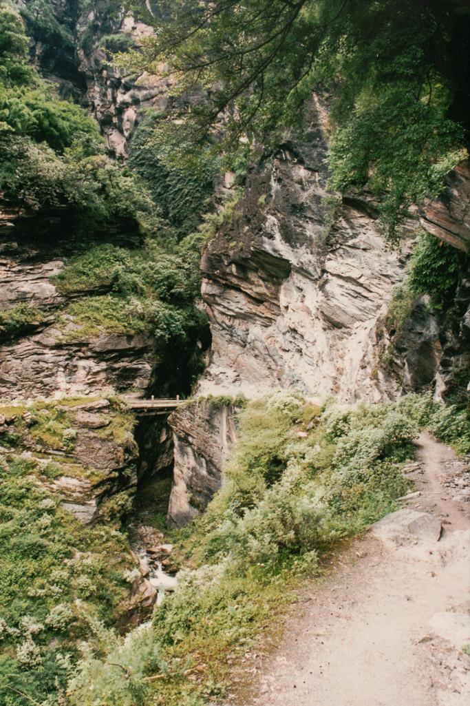 Tiger Leaping Gorge bridge