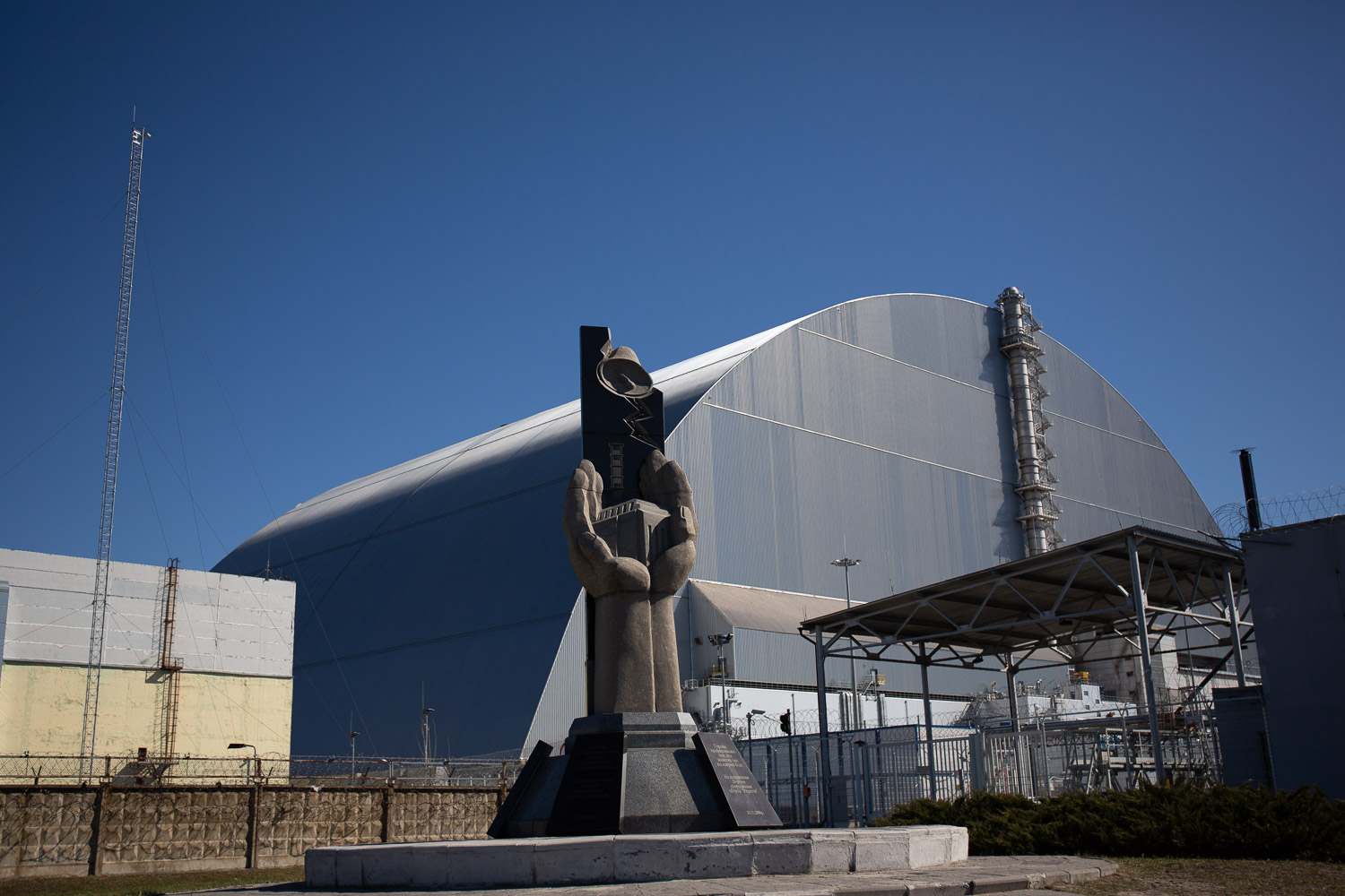 Chernobyl power plant with the sarcophagus in place
