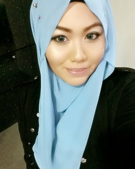 What 10years challenge?  Sis kasi few years back photo je la when i was 22 years old. 😝  Masa tu sis buat highlighter as facial wash agaknya. 😆  I need my sharp chin and my slim nose back😭  Kening da taubat.  Dari pey-rang to black 😆  #nkjugak #walaupuntak10yrssgt