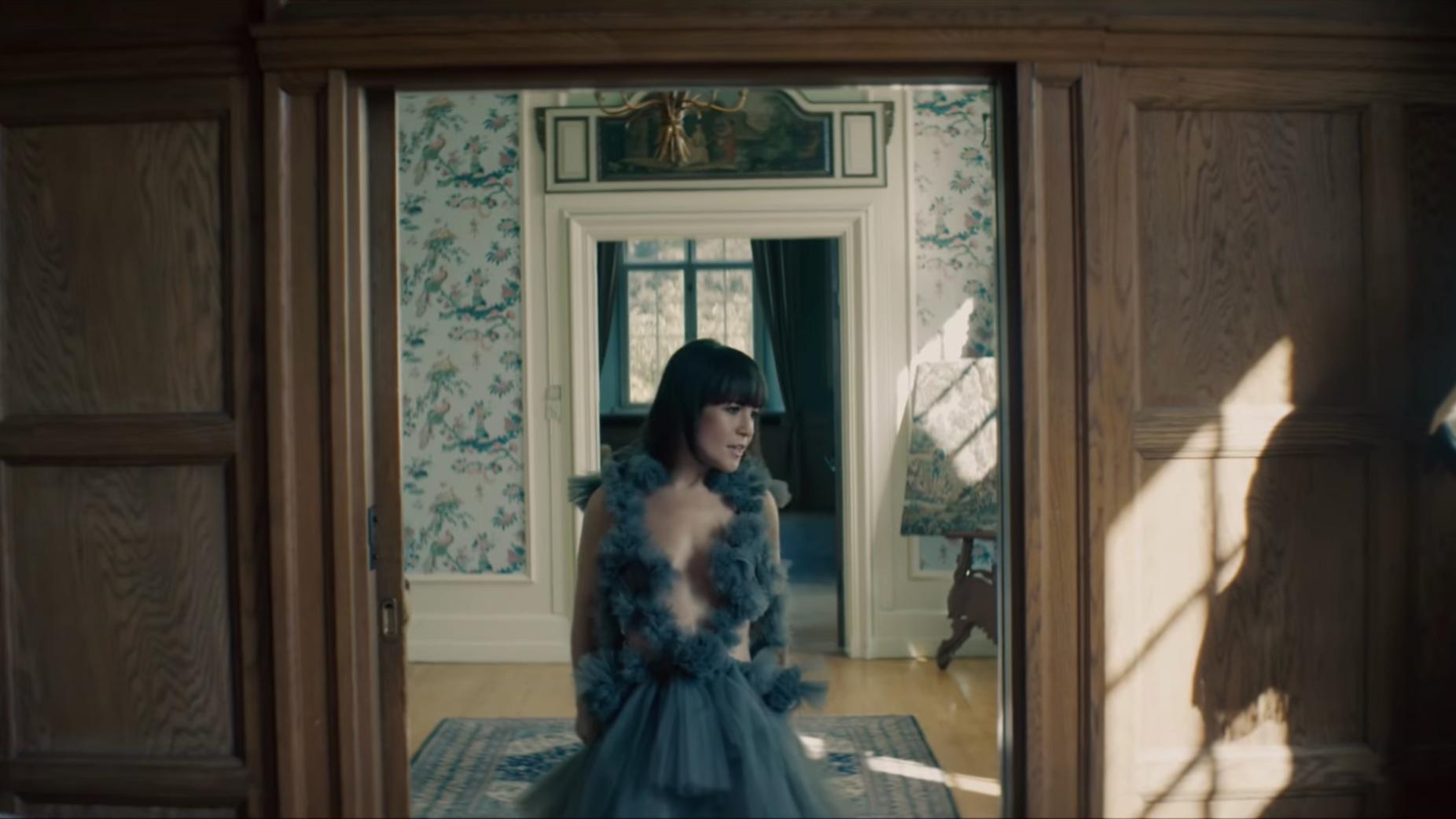 DREAMING KIND - MUSIC VIDEOARTIST HANNAH SCHNEIDERDIRECTOR CHRISTOPHE DOLCEROCCA